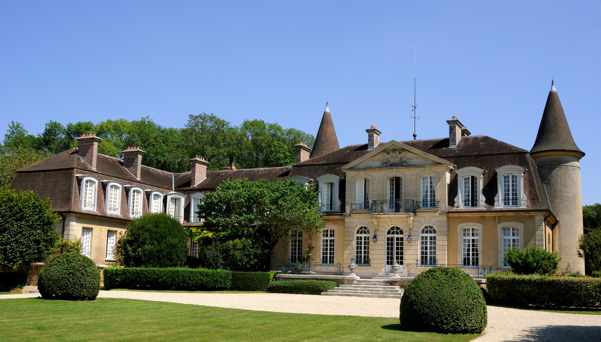 An Opulent Château – Southeast of Paris