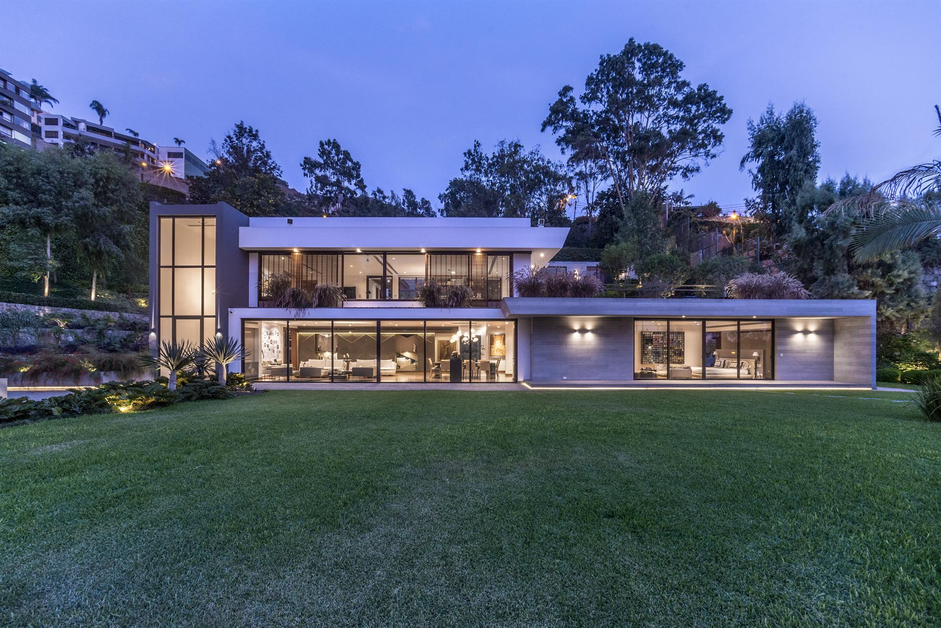 Modern and Luxury in Casuarina